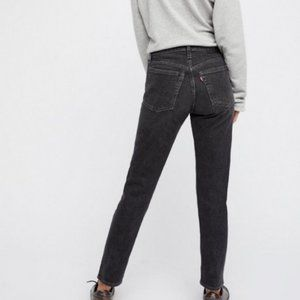 LEVI'S Wedgie Icon High Rise Jeans Deedee